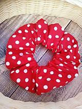 Ozdoby do vlasov - Červená gumička s bodkami - 11198024_