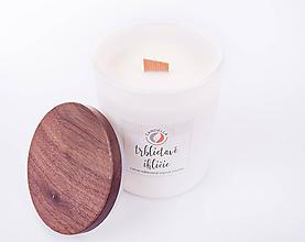 Svietidlá a sviečky - Trblietavé ihličie - sójová sviečka (L) - 11197730_
