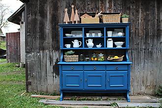 Nábytok - Maľovaný príborník modrý - 11198877_