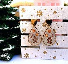 Náušnice - Vianočné náušnice napichovacie s perníčkami, pozlátené srdiečko - 11197423_
