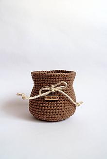 Košíky - Košík háčkovaný | Mešec | Hnedý | malý | gombík - 11201374_