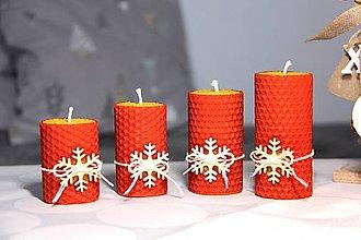 Svietidlá a sviečky - adventné sviečky z včelieho vosku s vločkou (Červená) - 11202418_