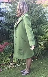 Kabáty - vlnený zimný kabát s výšivkou - 11199455_