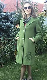 Kabáty - vlnený zimný kabát s výšivkou - 11199456_
