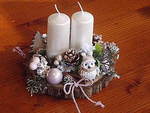 Dekorácie - Vianočný ružový svietnik so sovičkou na dreve s 2 sviečkami - 11199561_