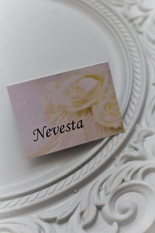 Svadobná menovka pre hostí