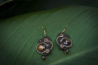 Náušnice - Hnedá elegancia - Ručne šité šujtášové náušnice - Soutache earrings - 11203334_
