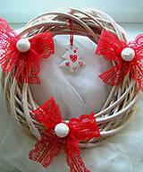Dekorácie - Biely vianočný veniec - 11203248_