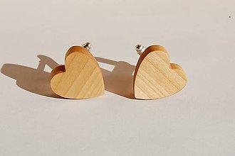 Šperky - Drevené manžetové gombíky - Borovicové srdiečka 1 - 11205534_