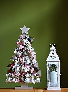 Dekorácie - Adventný kalendár / adventné vrecúška – stromček II. - 11202834_