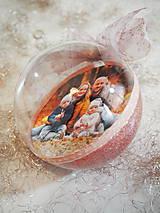 Dekorácie - RUŽOVO-FIALOVÉ vianočné gule s 3D fotkou - 11205079_