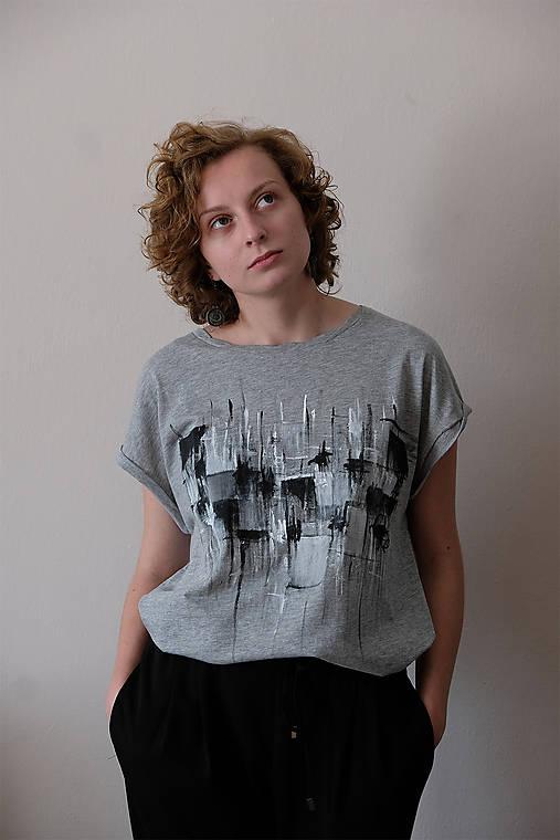 čiernobiele abstraktno // ručne maľované tričko //