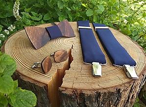 Doplnky - Pánsky drevený motýlik, manžetové gombíky a traky - 11207706_