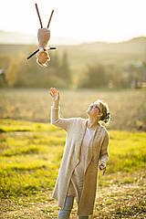 Hračky - Ovka nohatá s mosadznou rolničkou a mašľou (Béžová-staroružové-telové- bodkované ružové hnátiky) - 11208669_