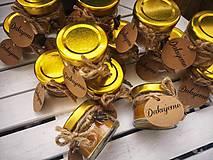Darčeky pre svadobčanov - Sviečka zo 100% včelieho vosku - 11206651_
