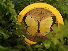 Rámiky - Dekoračný rámik - motýlie krídla jar - 11207089_