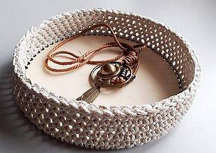 Košíky - Okrúhly košík s pevným dnom - krémový so zlatým lurexom - 11210930_
