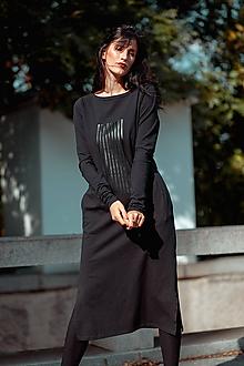 Šaty - FNDLK úpletové šaty 438 RVL midi s rozparkama - 11210726_