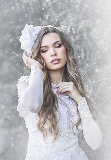 Ozdoby do vlasov - Svadobná biela čelenka na stranu s čipkou - 11209990_