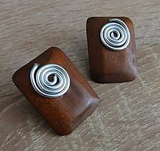 Náušnice - drevené slimáčikové napichovačky - 11210234_