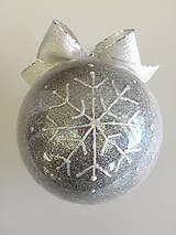 Dekorácie - RUŽOVO-FIALOVÉ vianočné gule s 3D fotkou - 11210334_