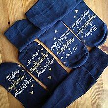 """Obuv - Set maľovaných modrých ponožiek s nápisom: """"Mám najlepšiu manželku/...a ona najlepšieho manžela"""" a naopak - 11210164_"""