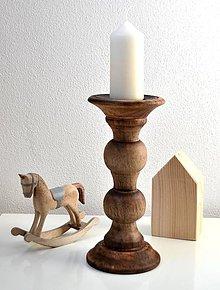 Svietidlá a sviečky - Drevený svietnik - 11214462_