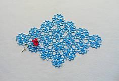 Úžitkový textil - Háčkovaná dečka Modro-biele kvety - 11214353_