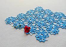 Úžitkový textil - Háčkovaná dečka Modro-biele kvety - 11214356_