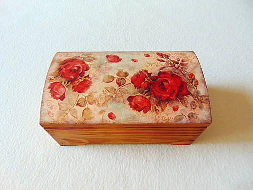 Drevená truhlička Červené ruže