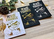 Papiernictvo - Vianočná pohľadnica - Vtáčik (Zlatá na čiernom papieri) - 11216264_
