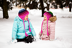Detské čiapky - Farebné pásikavé ušianky pre sestričky - 11214260_