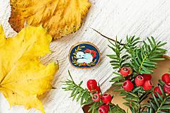 Odznaky/Brošne - Ručně malovaná brož se spící polární liškou - 11216690_