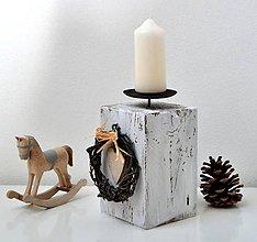 Svietidlá a sviečky - Drevený svietnik-vintage - 11218136_