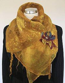 Šály - Zlatý šál/nákrčník so špecifickou textúrou - 11218246_