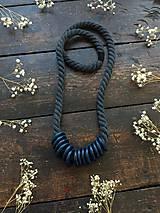 Náhrdelníky - Petrolejové kroužky na šedém laně - 11222428_