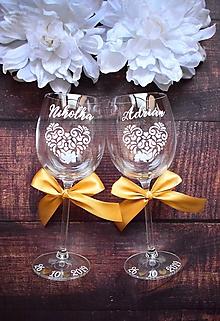 Nádoby - Svadobné poháre ľudové srdcia -bielo zlaté - 11221603_