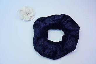 Ozdoby do vlasov - Gumička scrunchie tmavomodrá zamatová - 11221792_