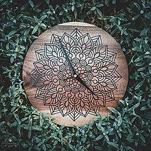 Hodiny - Mandala - Orechové drevené hodiny - 11222521_