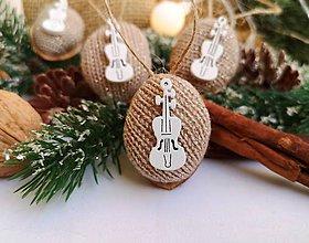 Dekorácie - Vianočné orechy s husličkami - 11221926_
