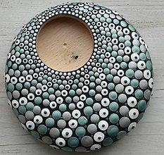 Svietidlá a sviečky - Bodkovaný drevený svietnik - akryl (Drevený svietnik 6) - 11224139_