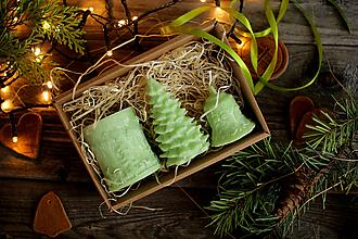 Svietidlá a sviečky - Vianočná SADA sviečok V DARČEKOVOM BALENÍ (Jabĺčkovo zelená) - 11223242_