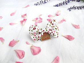 Ozdoby do vlasov - Roztomilá mašlička (s pinetkou) (biela + ružové kvety) - 11226429_