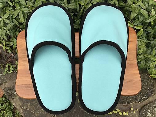 Veľké tyrkysové papuče