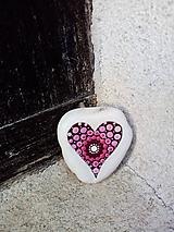 Drobnosti - Ružové srdiečko - Na kameni maľované - 11227064_