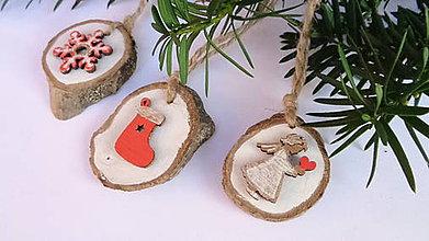 Dekorácie - Drevené vianočné ozdoby maľované - 11224556_