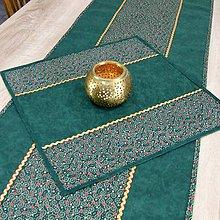 Úžitkový textil - TAMARA - zlato zeleno červená klasika(2) - obrus štvorec 40x40 - 11223536_