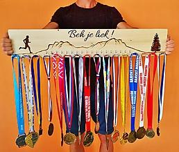 Dekorácie - Maxi bežecký vešiak na medaily - 11226923_
