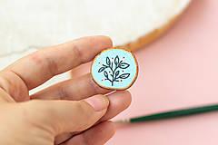 Odznaky/Brošne - Ručně malovaná brož - světle modrá - 11228520_