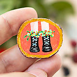 Odznaky/Brošne - Ručně malovaná brož - boty na korálové - 11228557_